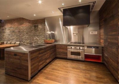 Modern Kitchen with Natural Cut Stone